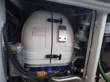 AYC - Trawler fifty 38 / Fisher Panda generator