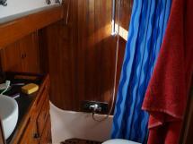 Horizon 70 - Aft master's stateroom's bathroom