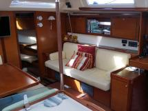 Dufour 485 Grand Large Custom - Starboard benchsit