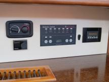 Dufour 485 Grand Large Custom - Control panels