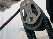 RM 1070 - Mainsheet hoist detail