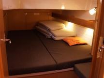Bavaria 45 Cruiser - Aft port cabin