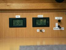 Bavaria 45 Cruiser - Batteries controlers