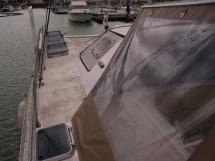 Catana 42S - Port catwalk