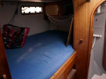 Catana 42S - Aft starboard cabin double bed