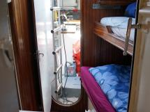 CCYD 75' - Forward crew cabin
