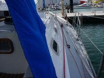 OVNI 385 - Starboard catwalk