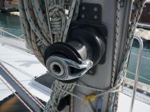 OVNI 385 - Mast step winch