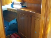 OVNI 385 - Storage cabinet in the aft cabin
