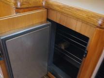 Feeling 546 Prestige - Forward opening fridge