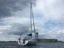 Atlantis 370 - Anchored