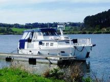 Meta Trawler 33 - Docked