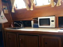 Meta Trawler 33 - Galley countertop