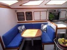 OVNI 56 - Starboard saloon