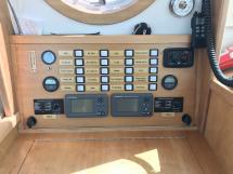 AYC Yachtbroker - Trawler Meta King Atlantique - Electric panel
