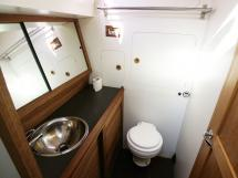 AYC Yachtbroker - Trawler Meta King Atlantique - Bathroom
