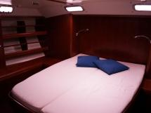 Alliage 48 CC - Double bed in the aft cabin