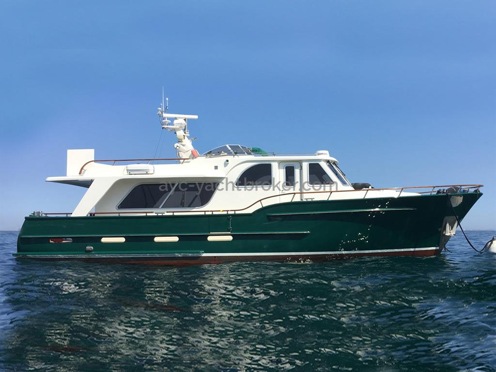 Searocco 1500 Trawler - At sea