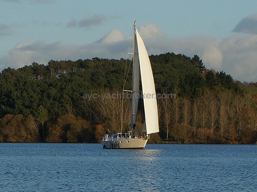 Dalu 47 - Under sails