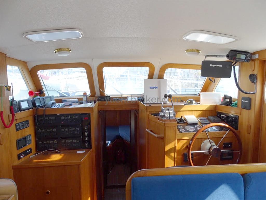 AYC Yachtbrokers - Trawler Meta King Atlantique - Saloon