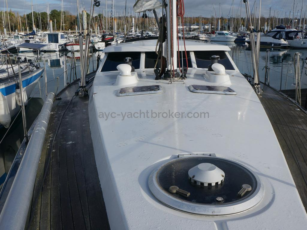 AYC Yachtbroker - JFA 45 Deck Saloon - Roof and deck