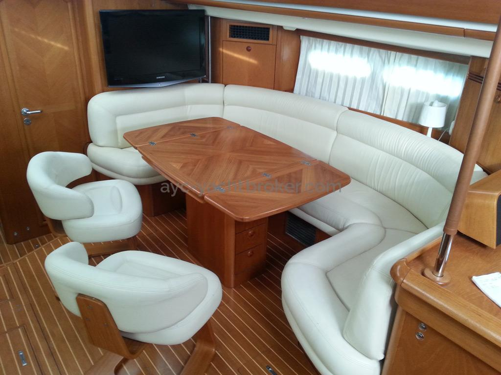 Sun Odyssey 54 DS - starboard saloon