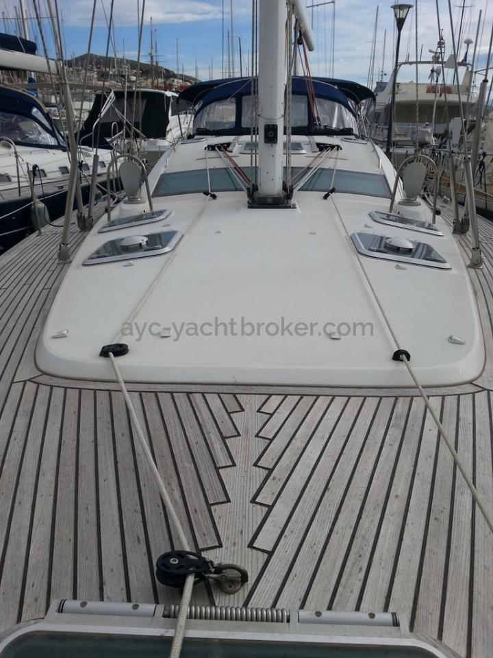 Sun Odyssey 54 DS - Front deck