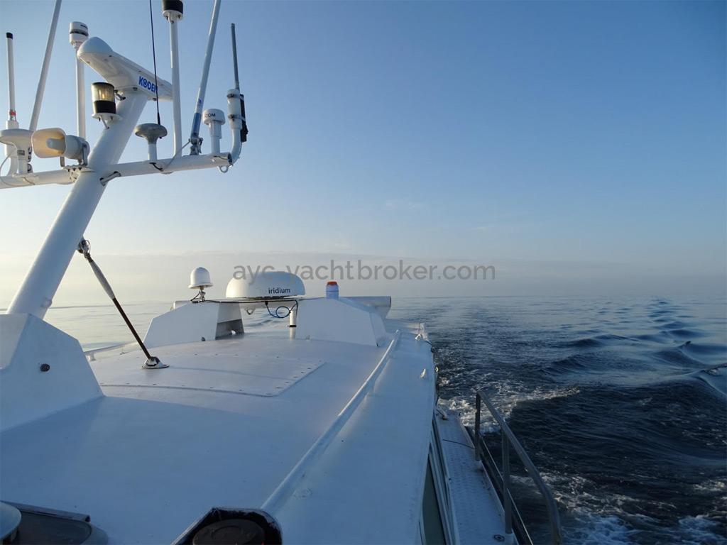 AYC Yachtbrokers - Trawler Meta King Atlantique - Roof