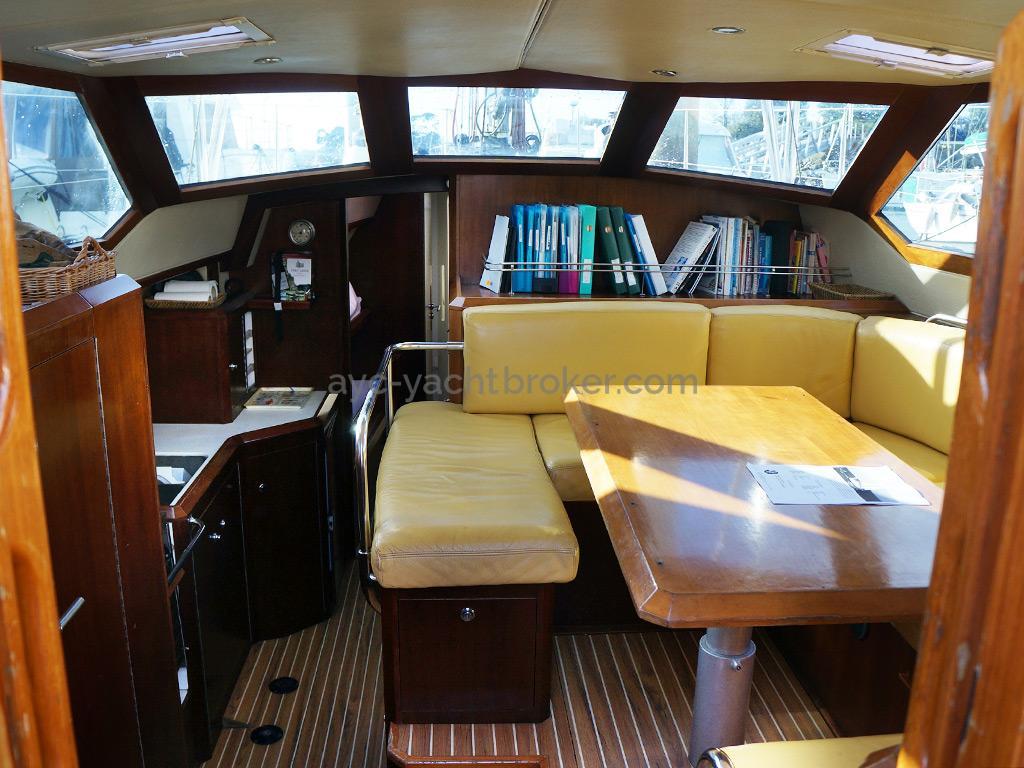 AYC Yachtbroker - JFA 45 Deck Saloon - Deck saloon