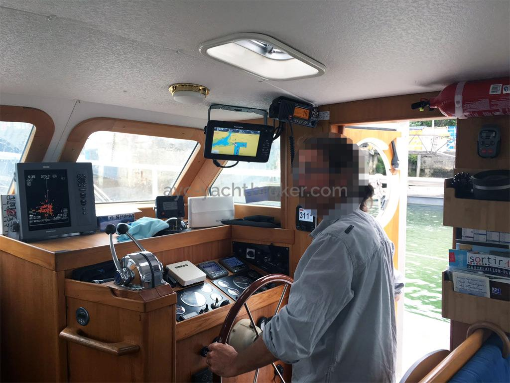 AYC Yachtbrokers - Trawler Meta King Atlantique - Steering station