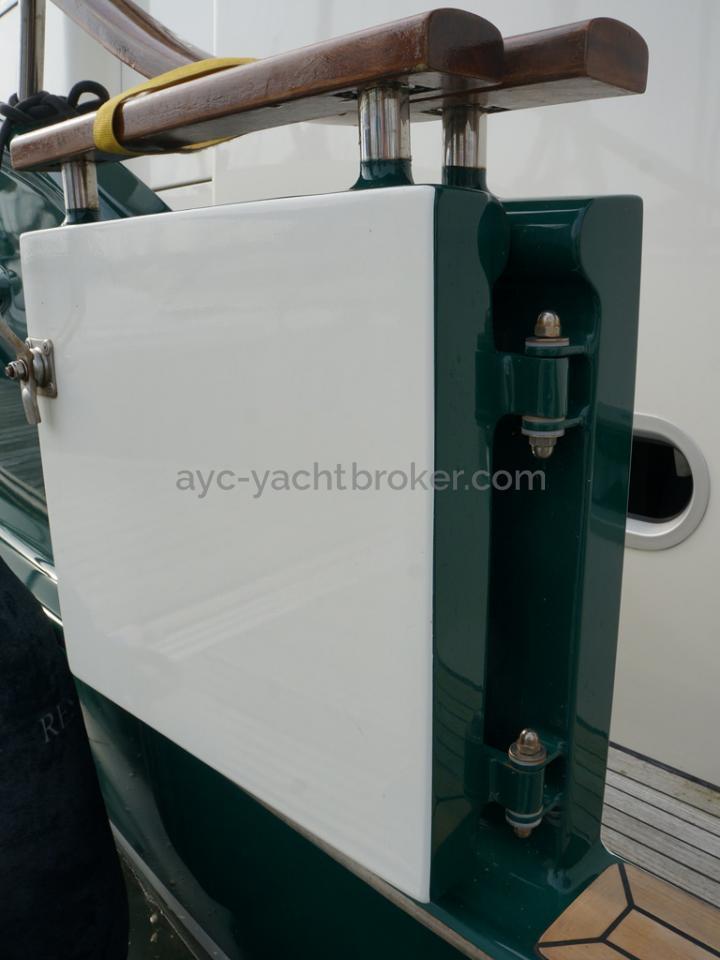 Searocco 1500 Trawler - Gangway door