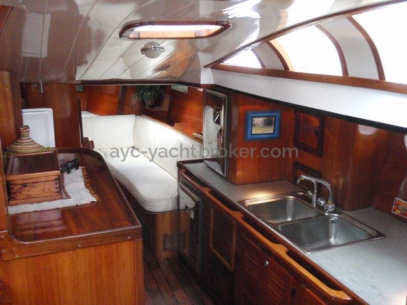 AYC Yachtbroker - Nemophys 50 - Saloon and galley