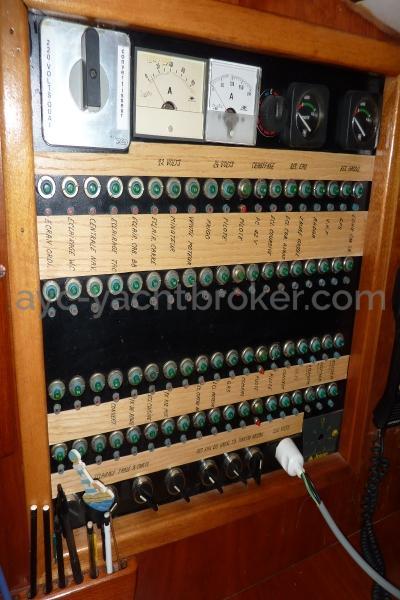 AYC Yachtbroker - Nemophys 50 - Electric panel