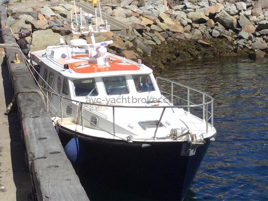 AYC Yachtbrokers - Trawler Meta King Atlantique - Docked