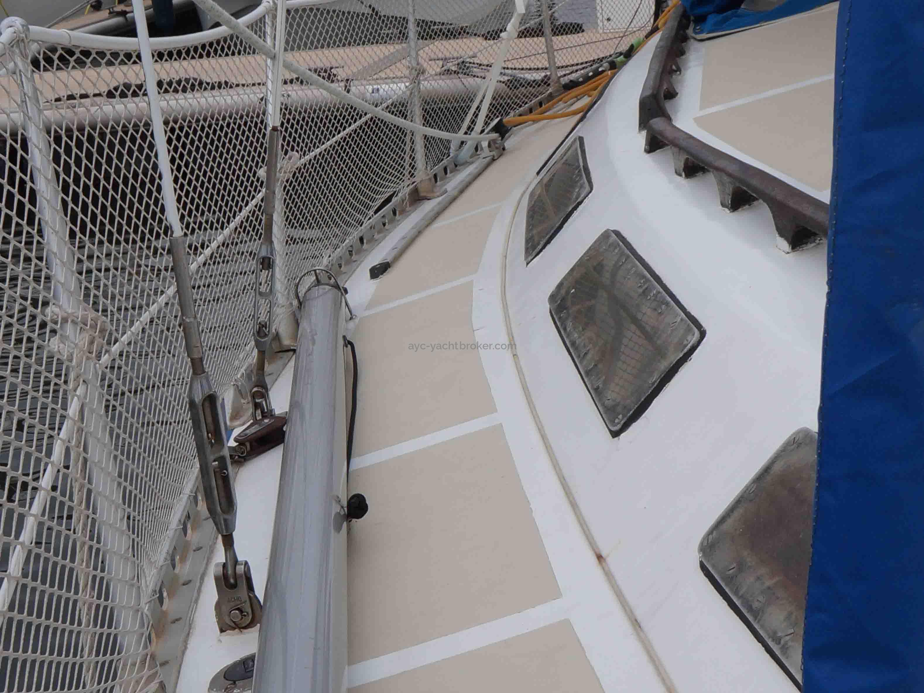 AYC YachtBroker - Pont