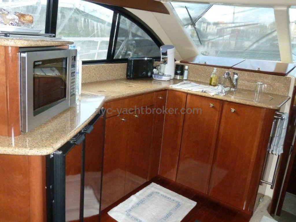 MERIDIAN 411 Sedan - Galley