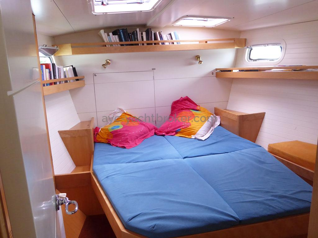 AYC - Azzuro 53 / Forward cabin