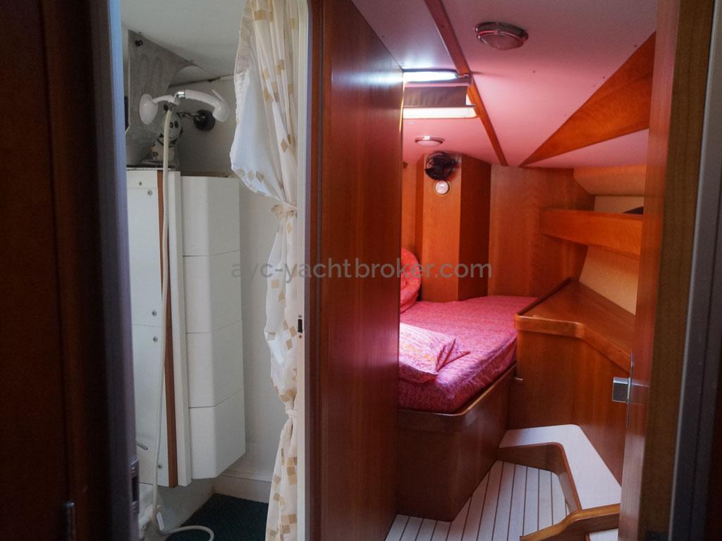 AYC - Akela 50 / Front cabin
