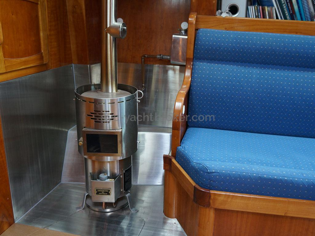 AYC - Chatam 60 / Dickinson Antartic diesel heater