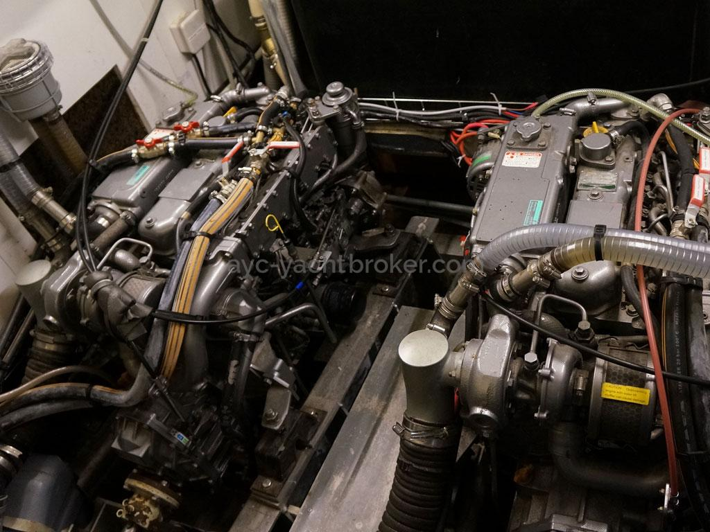 AYC - Chatam 60 / Engine room - Engines