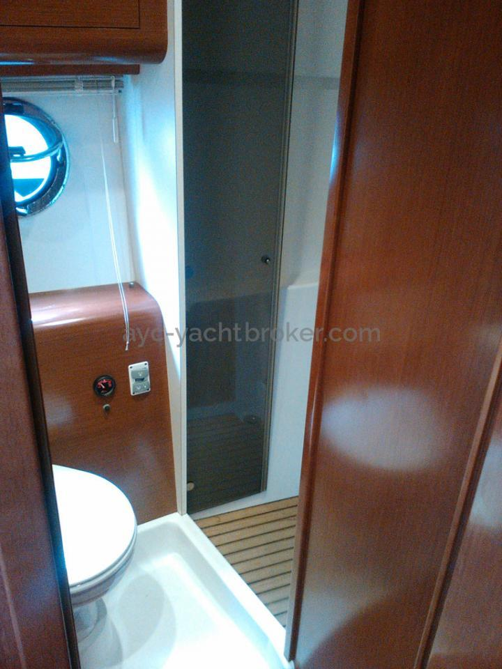 AYC - FLYER GT 44 / Aft bathroom