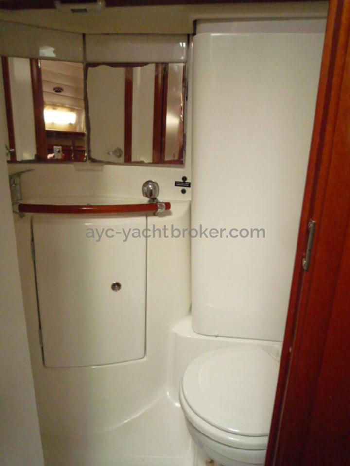 AYC - Oceanis 423 / Aft bathroom