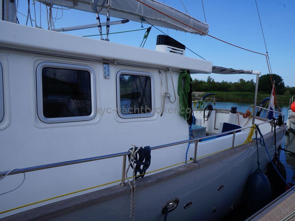 AYC - Trawler fifty 38