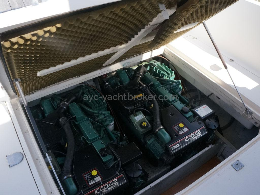 AYC - ACM 1155 Fly / Engines room