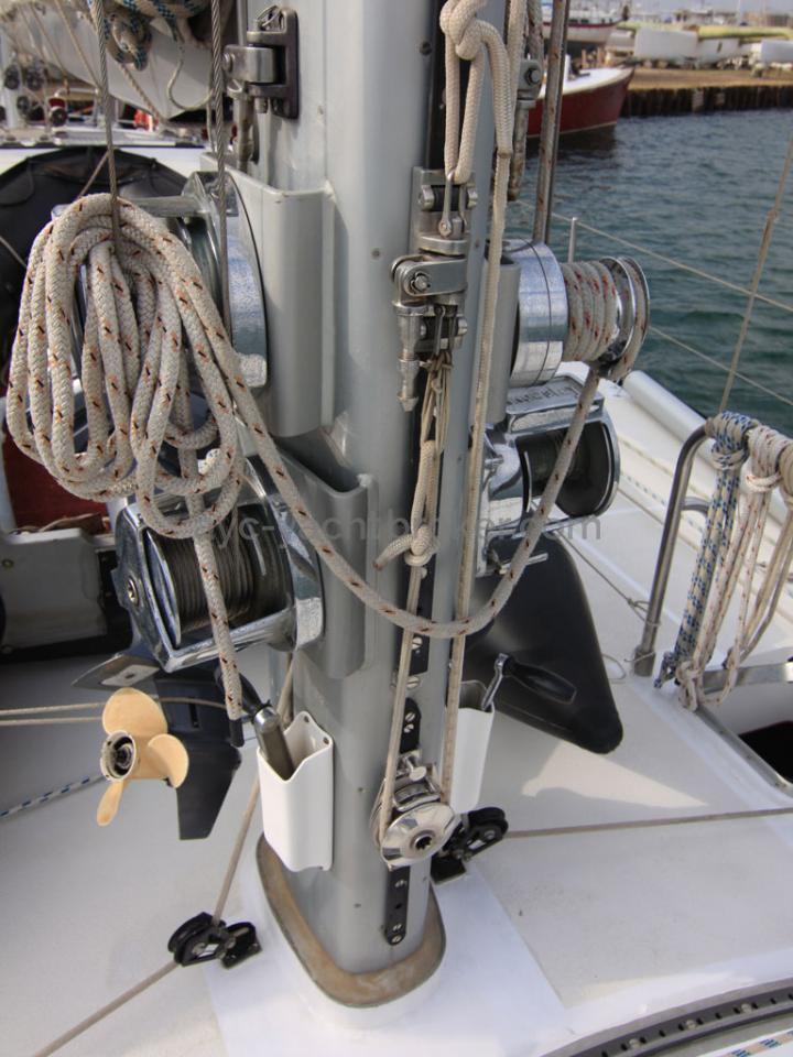 AYC - Jeroboam / Foot mast