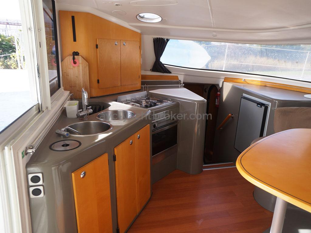 AYC - Lavezzi 40 / Galley and saloon