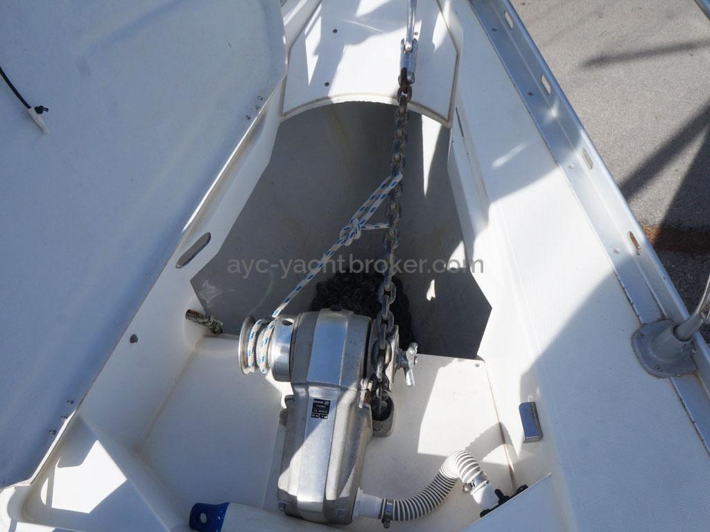 AYC Yachtbroker - baille à mouillage
