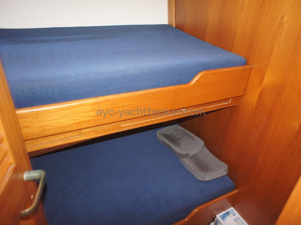 AYC Yachtbrokers - Trawler Meta King Atlantique - Starboard side cabin