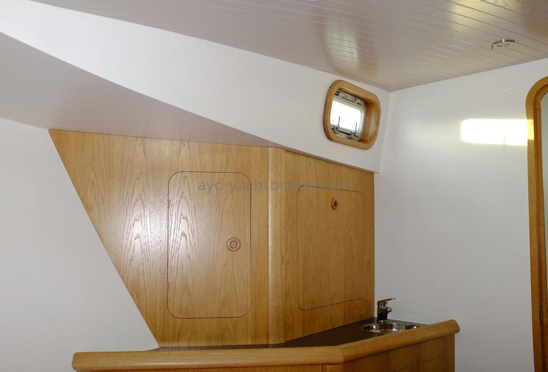 AYC Yachtbroker - Trawler Meta King Atlantique - Forward owner's cabin