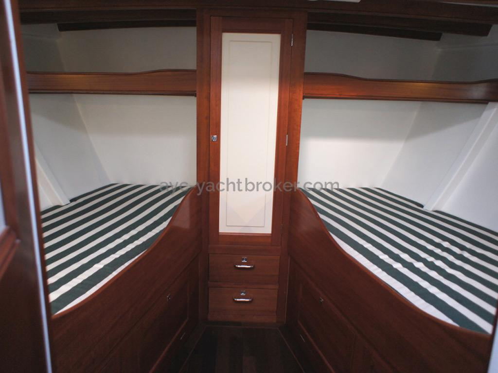 AYC Yachtbrokers - Tocade 50 - Forward cabin
